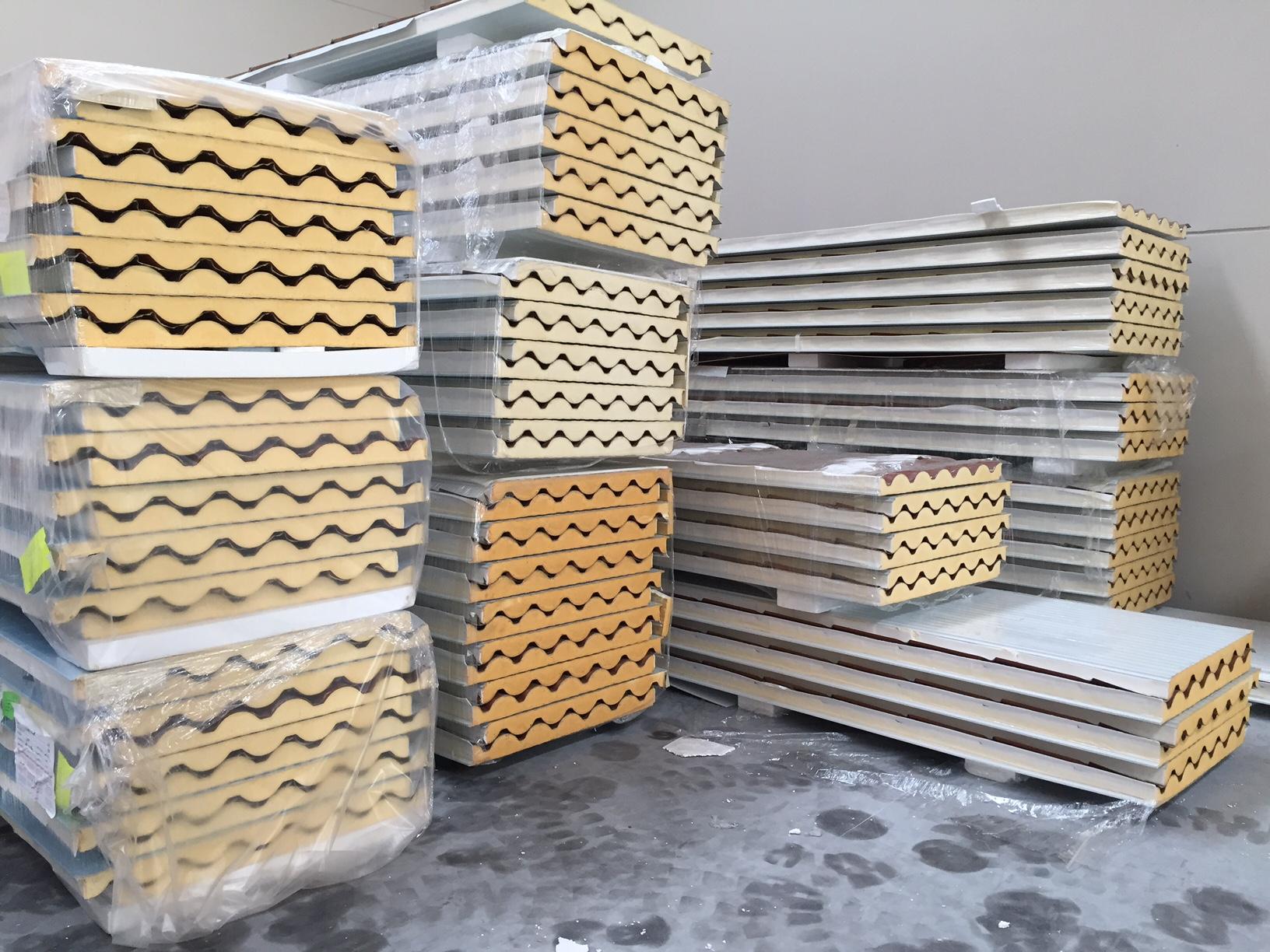 lopanel panel sandwich metalico fabricante distribuidor almacen cantabria imitacion teja cubierta tapajuntas fachada